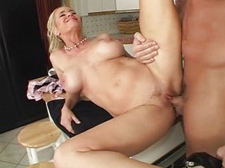 Hawt mommy gets fucked